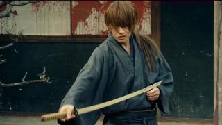 《浪客剑心》日本武士被陷害,身中数刀侥幸活下来,开始疯狂杀戮