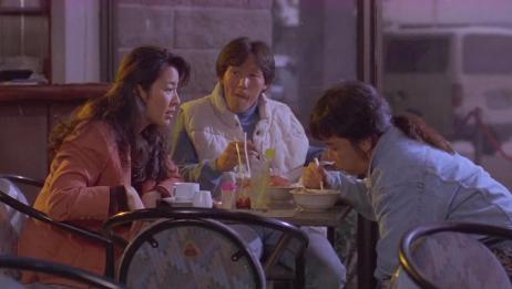 阿金:酒吧女老板得罪人,惨遭小流氓爆头,看着都疼!