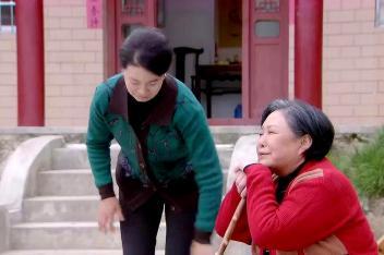 苦乐村官:梅花妈妈很生气万喜,怪罪万喜妈妈不准备结成亲家了