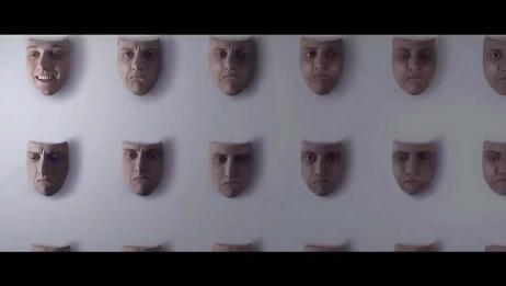 小伙拥有整面墙的面具,每天挑一个戴上才能出门,奇幻短片