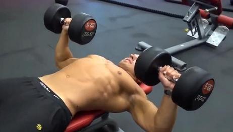 为什么你的胸肌练不大?胸部训练计划安排,让你快速练成大胸肌!