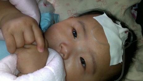 刚出生宝宝就送进了抢救室,抢救时医生气的浑身颤抖