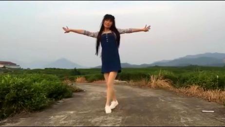 广场舞《你是上天的礼物》,恕我直言,舞姿优美有活力!