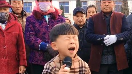 6岁男孩翻唱《妈妈我想你》,天使吻过的嗓音,句句催泪!