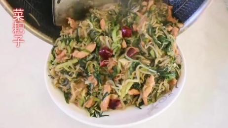 家常小炒:豆芽韭菜炒粉丝,清脆可口上桌就光盘,简单下饭又实惠