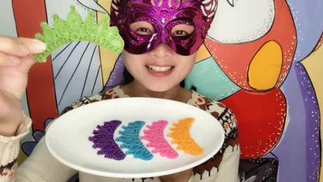 """妹子试吃""""王冠巧克力"""",精致漂亮多色多味,咬一口丝滑香甜超赞"""