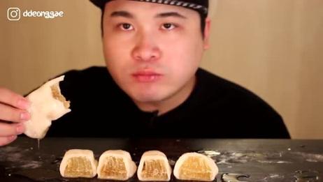 韩国donkey吃播:这吃的是什么呀?用蜂巢蜜做的糕点吗?吃得真香