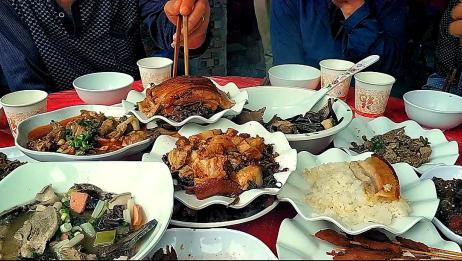 """四川农村早晨吃的""""九大碗"""",看看都吃些什么,和你们那里一样吗"""