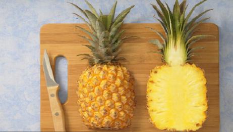 终于找到在家切菠萝的简单方法了,不浪费果肉,切得又快又好