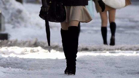 很多日本女生在冬天不穿羽绒服,到底是什么原因?