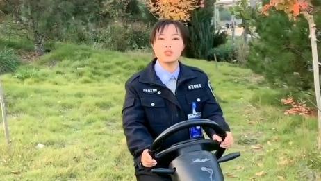 美女教练讲解新手学车如何操作脚下三踏板,你确定自己都知道吗?