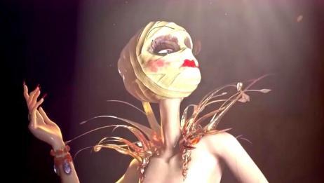 女明星整完容之后,裹着满头的绷带也要化好妆,站在聚光灯下