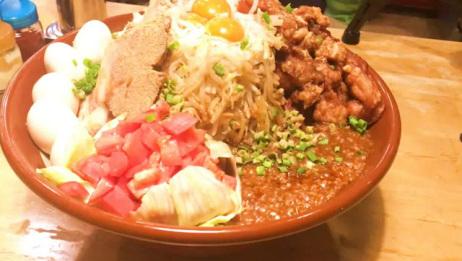 日本大胃王狂吃12斤的拉面,这食量比猪还多