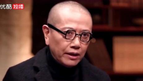 """陈丹青:我母亲就像一条""""狗""""一样死掉,就非常没有尊严就死掉了"""
