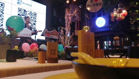 胡桃里音乐餐厅现场演奏