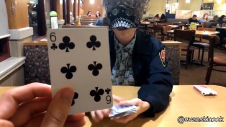 超厉害的近景扑克魔术!全程无破绽