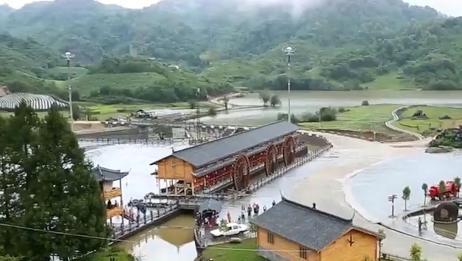在中国最无奈的村子,出门就得带签证,买菜上厕所也要带!