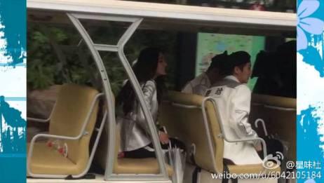 《跑男》首期路透图曝光,迪丽热巴自己坐在观光车后面吗?下一期跑男义乌录制开始啦!
