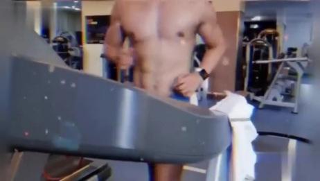 这个肌肉男帅哥的胸肌我太可以了