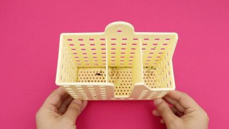 筷子笼里面脏了不好清洗,用它泡一泡,脏东西自己跑出来