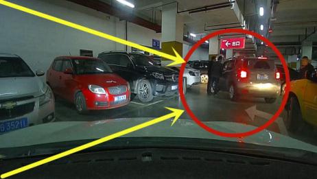 在地下停车场,发生了这么火爆的场景,女司机不敢下车!