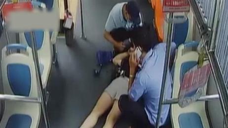 女子公交晕厥乘客紧急施救,司机直接把车开往医院送医
