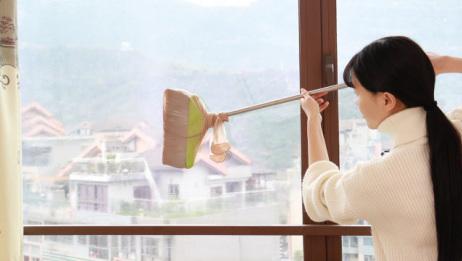 窗户玻璃外侧灰尘多,教你一个办法,死角处都擦得没有一点灰尘