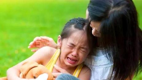 """家长要注意,孩子从幼儿园回来闹情绪?这是在向你发""""求救信号"""""""