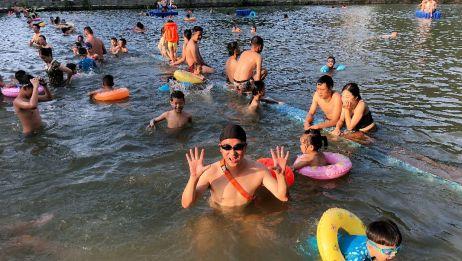 网友介绍这儿可以带娃游泳,离宁波市区十多公里,小发哥去往体验