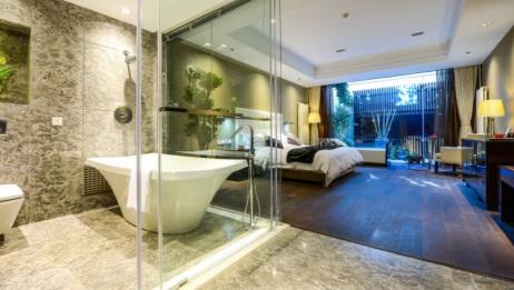 酒店为啥爱用透明浴室?其实并没你想的那么污,看完才知道真用法