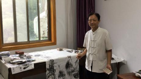 杨文森(难得糊涂)在黄山景区应邀作画,难得糊涂郑板桥