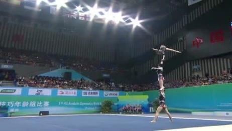 国内美女表演杂技体操,高难度动作让人惊呼