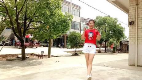 《花桥流水》鬼步舞,动作很简单,大姐跳的感觉就是不一样!