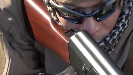 日本电动玩具版AK47步枪,BB弹供弹90发射击最远可达50米