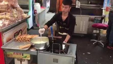 街头卖蛋卷也能月入好几万, 制作过程其实很简单