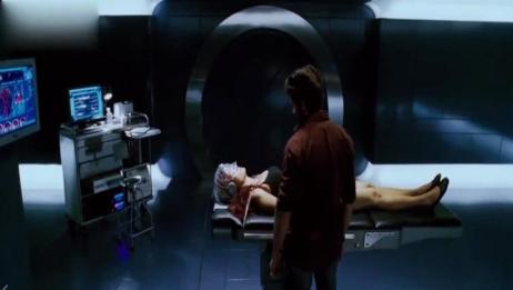 X战警3:总统压制变种人,部长无奈辞职,美女苏醒吓坏金刚狼