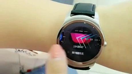 刚买的一款华为手表,下一幕让我开眼了,国产真的不负众望!