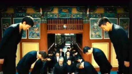 一部韩国顶级黑帮电影,退隐的杀手被逼重出江湖,全场火拼!