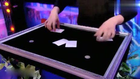 《美国达人秀》小伙表演近景魔术, 这简直就是魔法, 神奇了吧