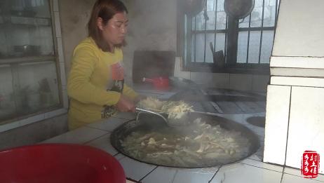 农村媳妇在家做干竹笋的全过程,看到这么多的笋子真过瘾