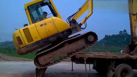 小挖机上拖车