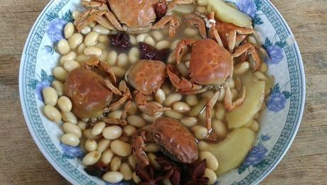 螃蟹的新吃法,不炸也不炒,这样简单一做,一个人都能吃一盘