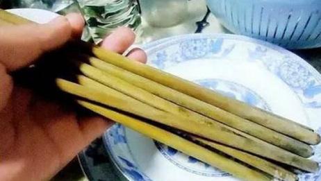 发霉的筷子不要扔!用这种水泡一泡,秒变新筷子!