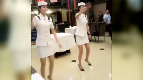 饭店服务员的技能要求,越来越高了!