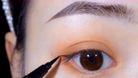 慢动作画眼线教程,这样画完让你的眼睛又大又亮!