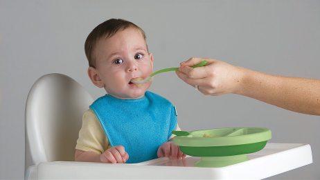 """给宝宝成功添加辅食,准备工作可是首要问题,家长要重视""""细节"""""""