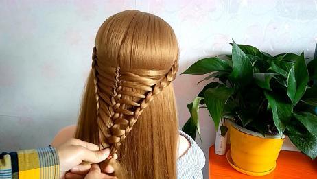 女人这样扎头发,瞬间年轻10岁,别管是谁就这么扎!