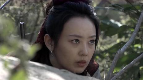 强者风范:银姑带领一帮人去打山上的日本人,她下令:集中火力打