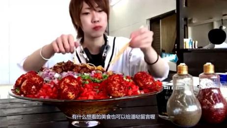 日本大胃王小哥吃12斤超辣的面条,整个全是辣椒?肠胃受的了吗?