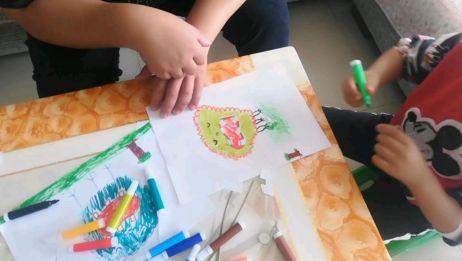 防疫期间不能随便出门,在家陪孩子画画